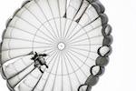 parachute-jump-900272_640
